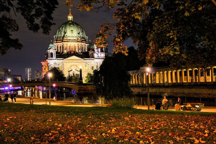 Berlin Der Dom Long Exposure Night Photography Night Dome Illuminated Tree Architecture Travel Destinations Built Structure Outdoors Building Exterior Politics And Government People Sky The Week On EyeEm Discover Berlin