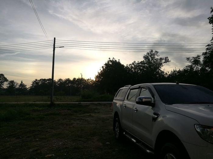CAR & SKY Car