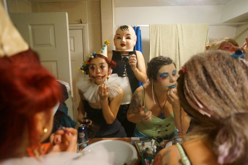 Crown Halloween Horror Powder Room Zombie Bathroom Before Party Fancy Dress Fancy Dress Party Fashion Girls Group Of People Halloweenparty Lifestyles Make-up Mirror Women