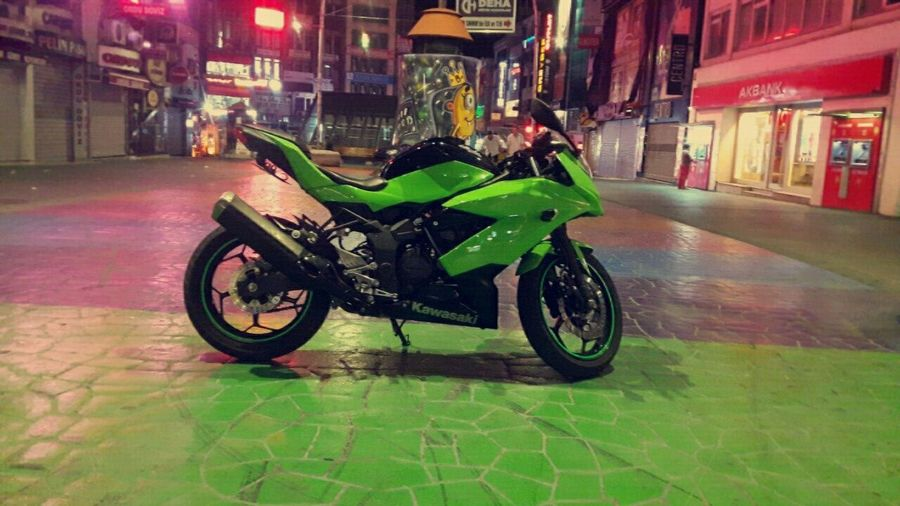 Kawasaki Sl250 Rip Bakırköy Nightphotography Green Ninja 250cc Rain Land Vehicle Mode Of Transport Transportation City Life City Wet