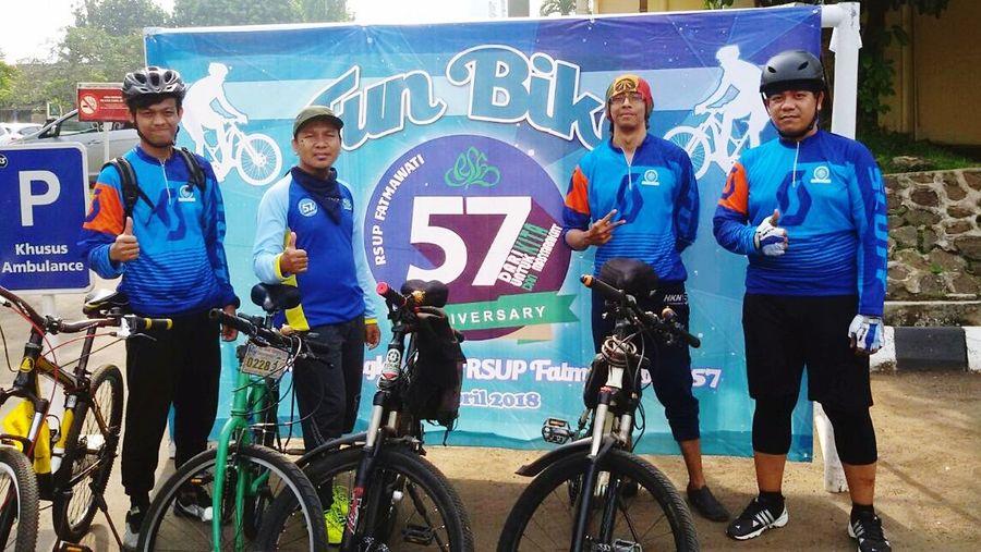 Sports Team Sport Bicycle Sportsman Athlete