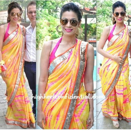 Fashionista Silkcouture Saree Indianoutfit celebrity clothing love like4like woman celebrity picoftheday bridaldreams pakistani tagsforlikes vancouver canada surreybc surreylife toronto nyc shoutout beautiful cute followme girl trendsetters tagsforlikes tbt ootd wedding