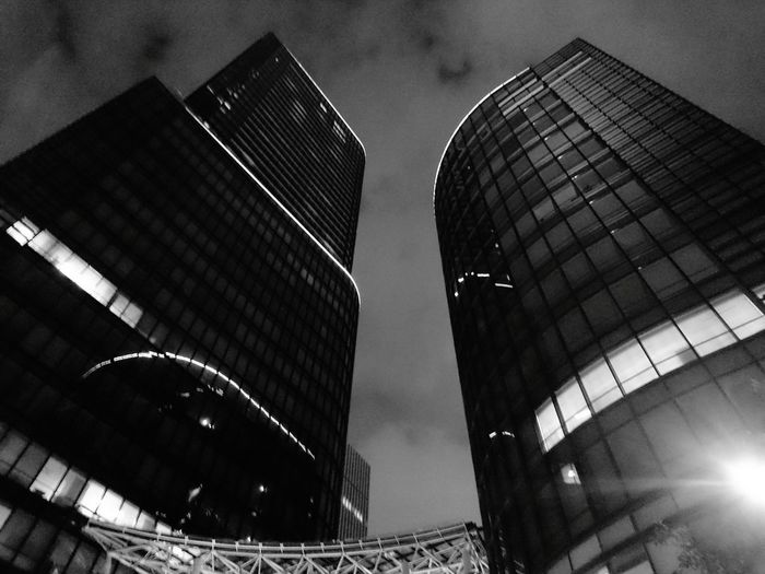 Night Architecture Modern Skyscraper No People City Building Exterior Outdoors Steel Sky And Clouds Sky And City Skycollection Blackandwhite Blackandwhitephotos Blackandwhite Photography Blackandwhiteonly Black And White Collection  Blackandwhitepics Monochrome World Cityscape Cloud - Sky Architecture