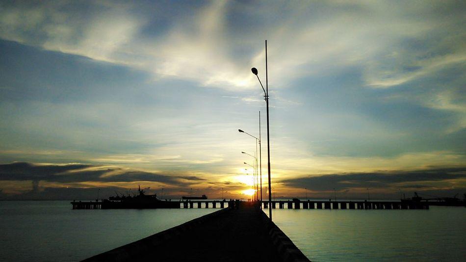 Shillouette Nature maburungan navy harbour Pinggiran Tarakan