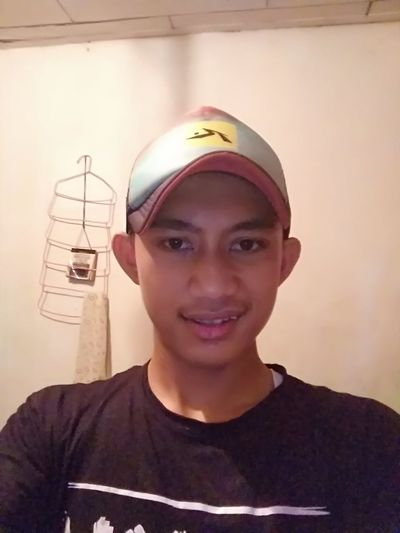 Ikki kaliang Portrait Looking At Camera Headshot Front View One Person People Young Adult Adults Only Adult Hardhat  Day Outdoors First Eyeem Photo