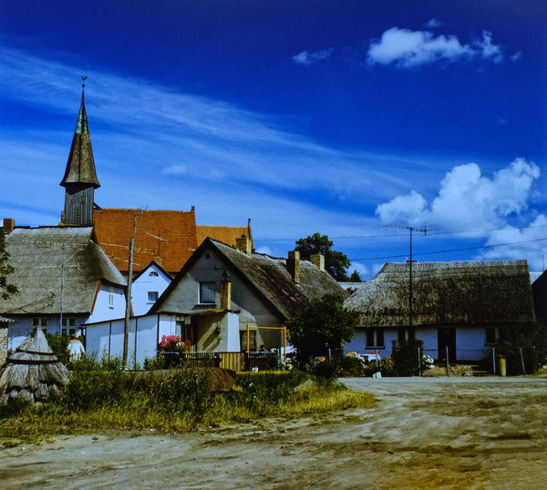1986 DDR Time Dia Scan Diafilm Farbfilm Rügen Insel Schabrode Architecture Building Exterior Built Structure Cloud - Sky Day Grass House Nature No People Orwochrome Outdoors Sky Tree