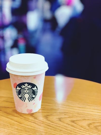 hot cocoa.@starbucks coffee 外はまだまだ寒いけど、Sakuraのデザイン。 Iphone8plus Sakura Spring Coffeetime Coffee Break Foodgraphy Foodphotography Foodgram
