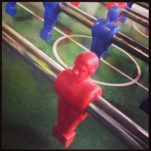 Un giocatore timido lascia il passo al Blue Colourmyseptember Red Calciobalilla green