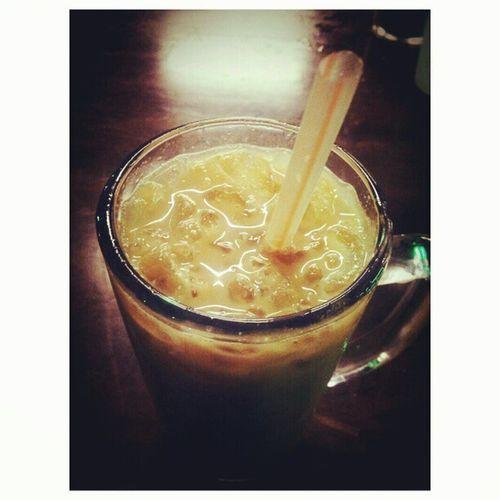 Kesukaan Along. NescafeAis :)