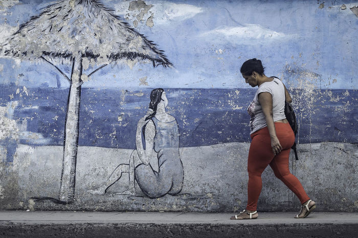 Beach Cuba Cuba Collection Graffiti Havanna, Cuba Walking Around Beach Blue Street Streetphotography EyeEmNewHere The Street Photographer - 2018 EyeEm Awards