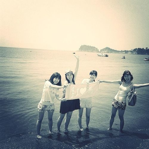 All Smiles At The Beach Girls Just Wanna Have Fun :) Japan