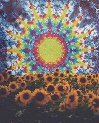 Hippie Tiedye Flowers Wallpaper