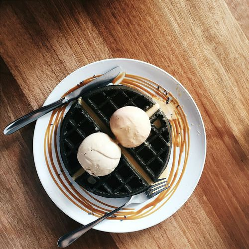 By far the best waffles I've had 💯 Waffle Salted Egg Yolk Charcoal Milk Tea Ice Cream Fat Cat Cafe Cafe Hopping Foodlife Foodphotography Food
