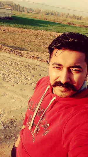 tour Vication Tour Love PakistaN Selfies Fog Real People One Man Only Red Nature Close-up Smiling Day