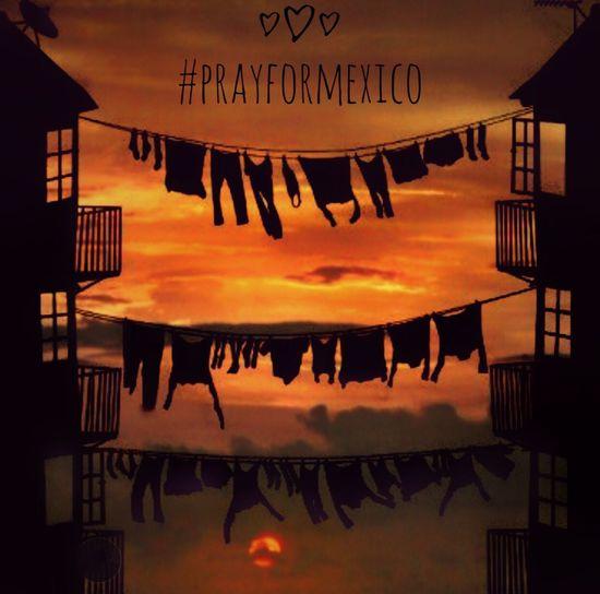 #prayformexico Outdoors Sunset Sky EyeEm Nature Lover We Are Photography, We Are EyeEm Movilgrafias Landscape Sunset Silhouettes Nature
