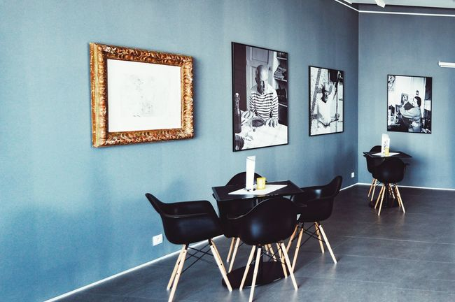 Café with Pablo Indoors  Gallery Gallery Of Art Interior Interior Style Interior Design Design Decor Photograph Photographic Memory Pablo Picasso Picture Frame Architecture Lifestyles Urban Lifestyle Table Chairs And Tables From My Point Of View EyeEm Gallery