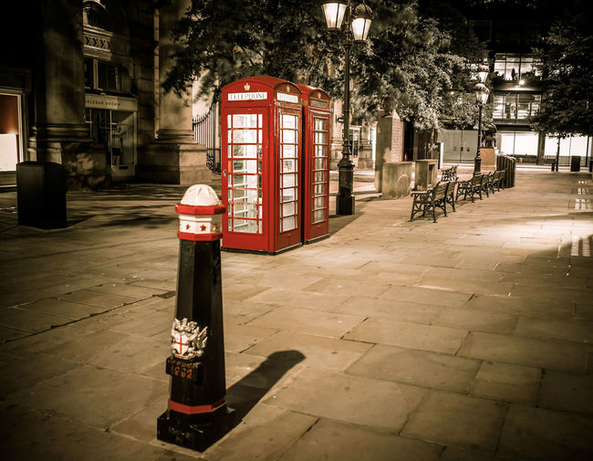 The corner at the end of the first Bridget Jones movie apparently. No People City Outdoors Tree @canonuk Canon Liveforthestory Canonphotography Canon5dmarkiv BestEdits Building Exterior Contrast And Lights Photo24 Sky London Architecture Long Exposure Telephone Box Nightphotography Bank Cityscape City Street Contrast