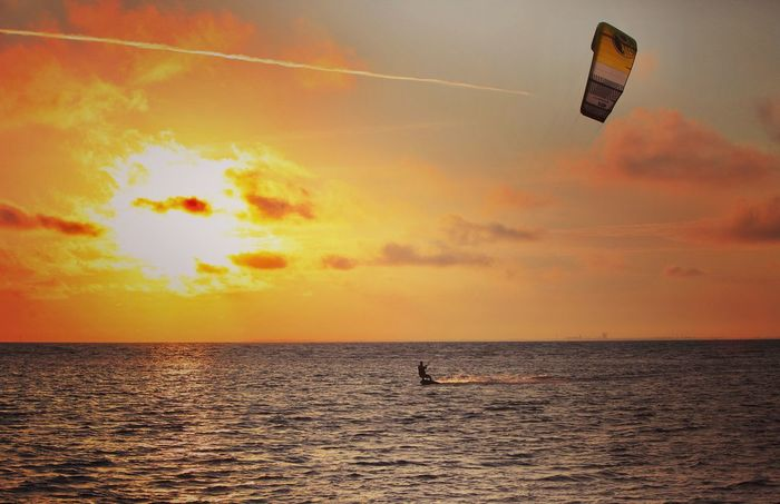 Paint The Town Yellow Sea Sky Horizon Over Water Beauty In Nature Sun Kiteboarding Florida Tampa Kites Yellow Sunrise Sunrise_sunsets_aroundworld Sunrise_Collection Ride Or Die