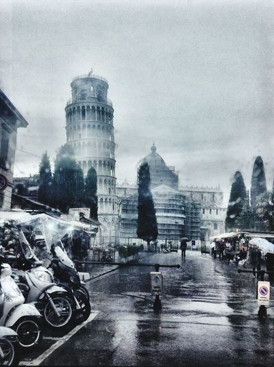 Pisa tower italy