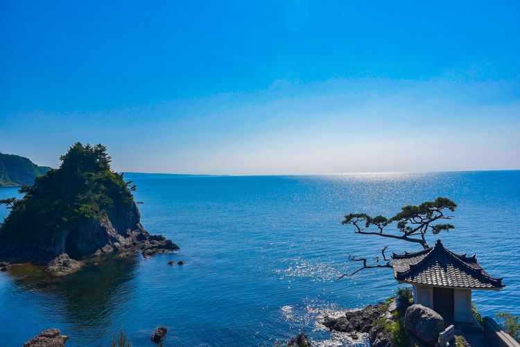 千人堂 Sea Water Blue Horizon Over Water Scenics Nature Beauty In Nature Sky Tranquil Scene Tranquility Clear Sky Rock - Object No People Beach Outdoors Day