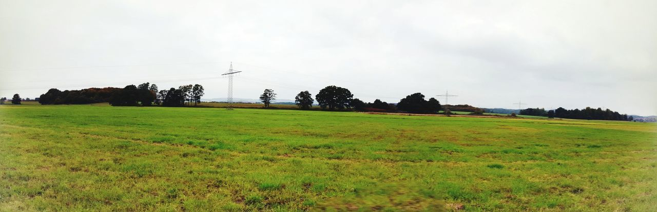 Simplicity Hanging Out Deceptively Simple Learn & Shoot: Leading Lines Outdoor Photography Landscape_photography Landscape_Collection Panoramic Photography Panoramic View Panoramic Landscape Panoramashot Twilight Learn & Shoot: Simplicity Seeing The Sights Bruchmühlbach-Miesau Green Green Green!  Greenery Pastel Power White Wall