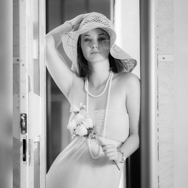 Hat Style Fashion Fashionable Woman Pretty Beautiful Train Travel Curve Pentax Wolfworx Longhair Flower