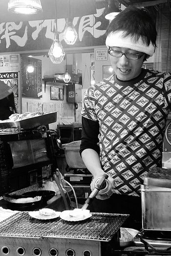 Cooking Scallops Streetphotography Tokyostreetphotography Tsukiji Fish Market Tokyo Tokyoautumn2016 Japan