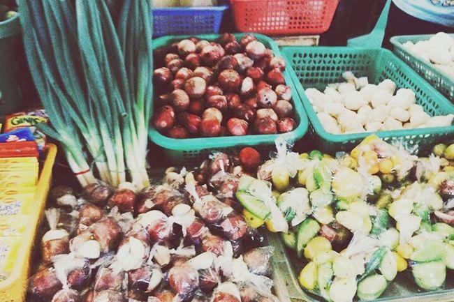 Lamas sibuyas on the mix! Going To Market Streetphotography Marketplace Open Edit Food Organic