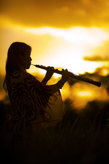 sunset gig Artistic ConseptualArt OBOE Artistic Photo Artistic Photography Conseptual Musician Musicianlife Nature One Person Outdoors People Photosession Real People Side View Sky Sunset Young Adult Young Women The Week On EyeEm The Week On EyeEm