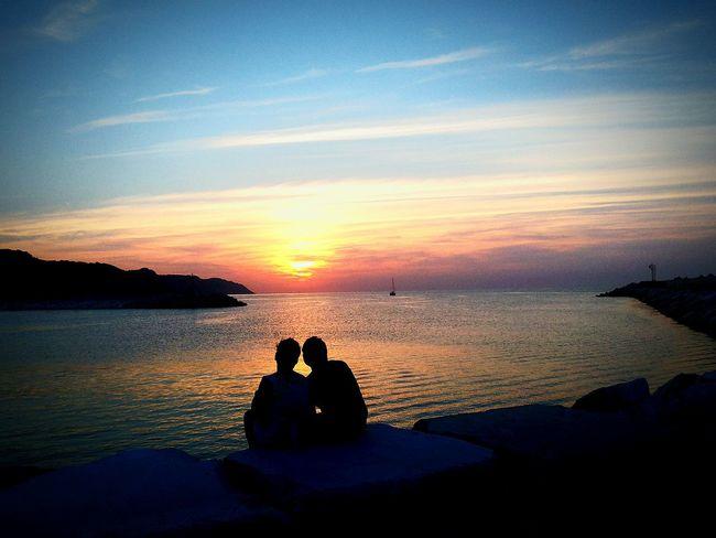 Tramonto romantico. Italy Italian Place Città Di Mare Tramonti_italiani Tramonto Pesaro Italiansunset Italian Sunset Sunset_collection Sunrise_sunsets_aroundworld Sunset Silhouettes