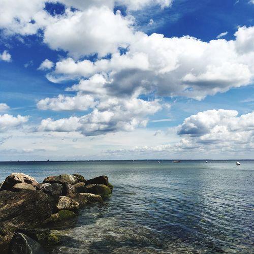 At Sea Sea Water Nature Weather Sky Tranquility Travemünde Horizon Baltic Sea Beauty In Nature Idyllic Travel Destinations Tranquil Scene Horizon Over Water Cloud - Sky Scenics - Nature Cumulus Wolken Wasserspiegelung Felsenküste Ostsee