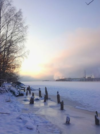 Sea Water Sky Outdoors Nature Beauty In Nature Scenics Minusdegrees Sunrise Landscape Finland By The Sea Cold Temperature Snow No People Winter Nature Frozen Tranquility Factory Ice Frozen Sea Shades Of Winter Colour Your Horizn