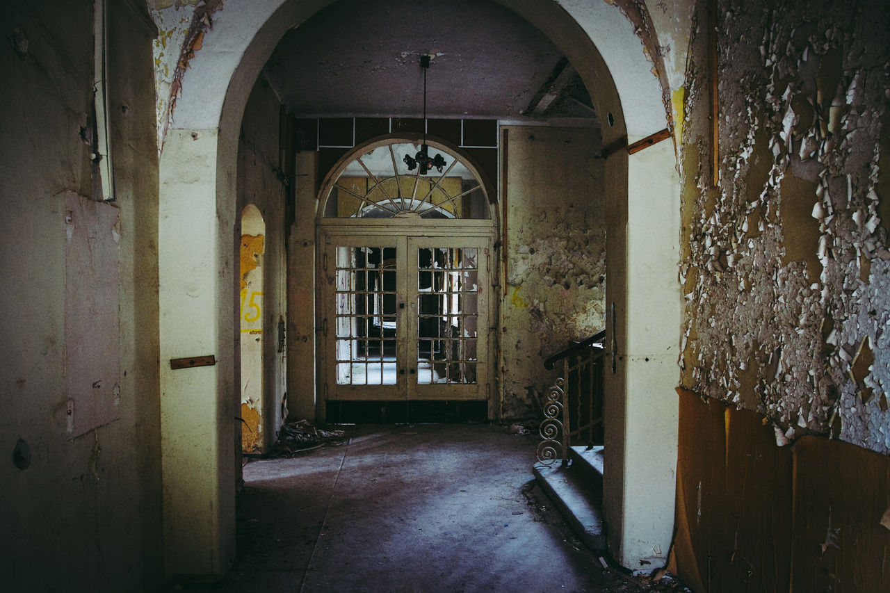 architecture, building, door, entrance, arch, built structure, indoors, no people, window, arcade, abandoned, corridor, day, the past, old, empty, history, house, open, ruined