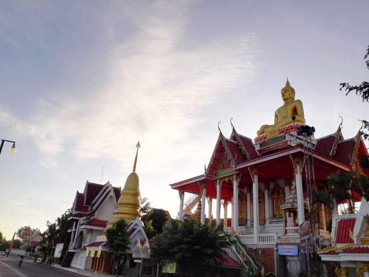 Bhudda Bhuddisttemple NongKhai,ThaiLand Morning Light Sunshine Clouds And Sky New Day