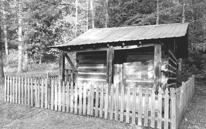 Taking Photos Blackandwhite Black And White Black & White Old House Log Cabin Fence
