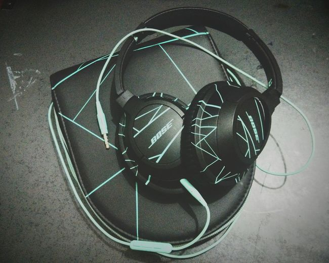 TakeoverMusic By daily Music Driver 🎧🎼🎤 Headphones Bose Soundtrue Mint Colored