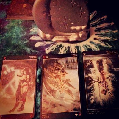 LuisRoyo Luisroyotarotdeck Tarotcards Tarotdeck tarot ddg reading desires deserving receiving moon khaotikkat