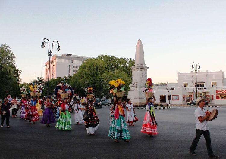 Inauguración de Art Gallery Terracota Arte Actual con Calenda de Oaxaca en Mérida Yúcatan