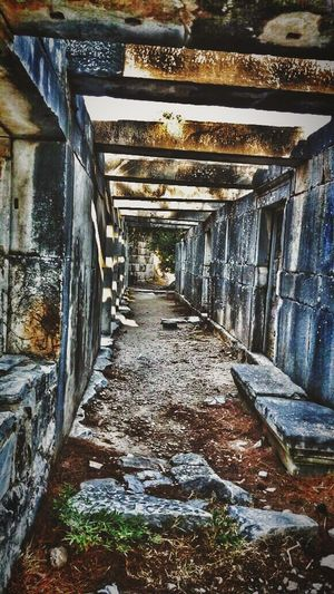 Architecture Built Structure The Way Forward Indoors  Old Abandoned Bad Condition Weathered Deterioration Narrow Obsolete Day Stone Material Messy Dirty No People Footpath