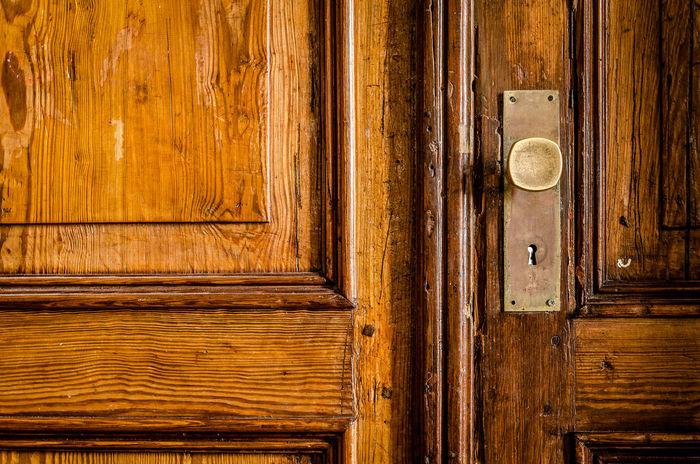 Close-up Door Knob Lock Metal No People Old Vintage Wood - Material