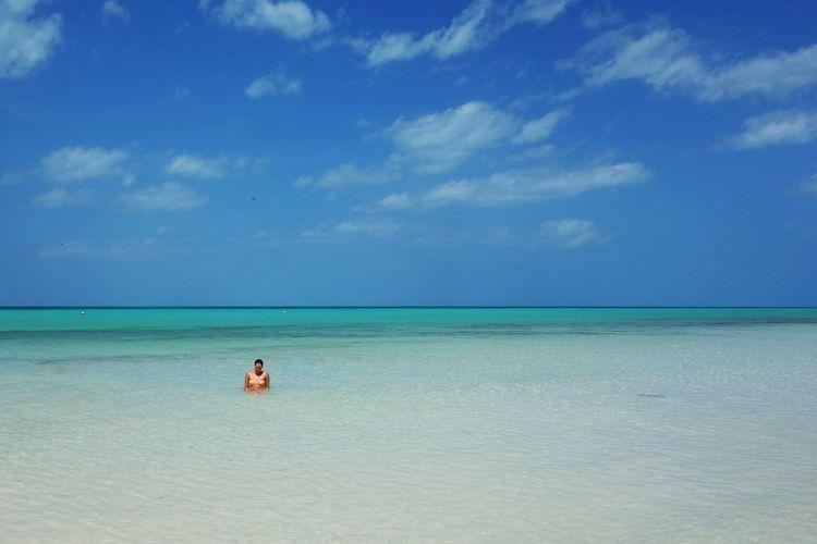 Beach Blue Isla