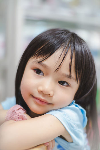 Childhood Portrait Child Headshot One Person Innocence Cute Looking At Camera Real People Lifestyles Smiling Close-up Emotion Women Girls Females Focus On Foreground Front View