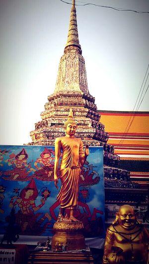 Lord Buddha, Temple, Maha Chedi, Wat Arunrajhwararama, Bangkok, Thailand. Getting In Spired. .