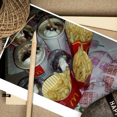 Midnyt Snack as always! McDo Cokefloat Fries Burger chickenfillet sundae family nieces