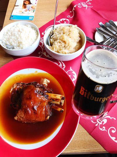 德國豬腳+黑啤酒🍺🍺🍺