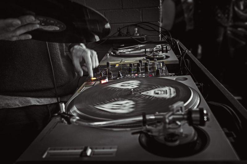 DJ in the