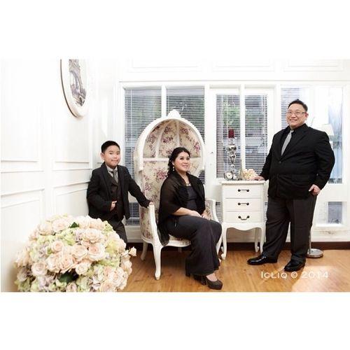 The Tjokro Family Photoshoot Icliq