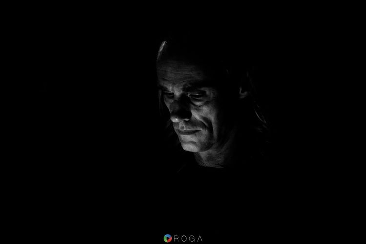 Light And Reflection Black Background Human Face ROGA Roga - Photography & Video Blackandwhite