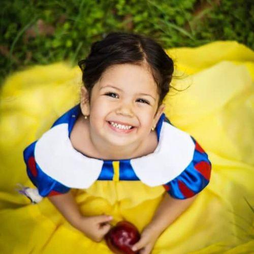 Perdidamente enamorada <3<3<3 Princesa Amelia...gracias Candy Store por hacer que Amelia sea hoy Blanca Nieves! Tengounaprincesaencasa Ellaesmagica Esmimuñecadecarneyhueso Cadadiaesunaprincesadiferente TengoaDisneyencasa Blancanieves Candystorebychachy