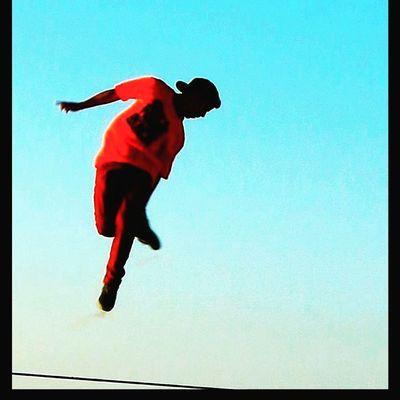 Cambiando la Perspectiva Adventure Club Cambiando La Perspectiva Changing The Perspective Slackline Slacklife Slackvida Equilibrio Tricks Longline Highline Slaker Las Salinas Viña Del Mar Giros En El Aire Slackred